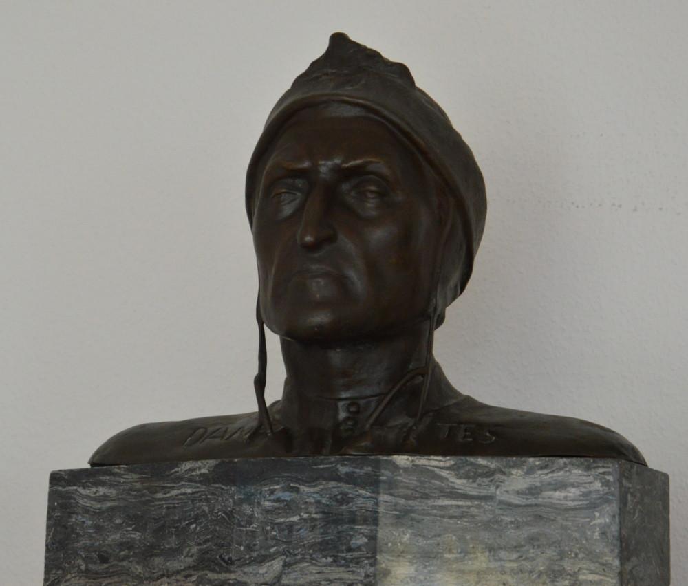 Dante Busto